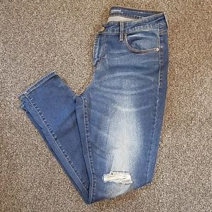 Old Navy Rockstar distressed Jeans size 12